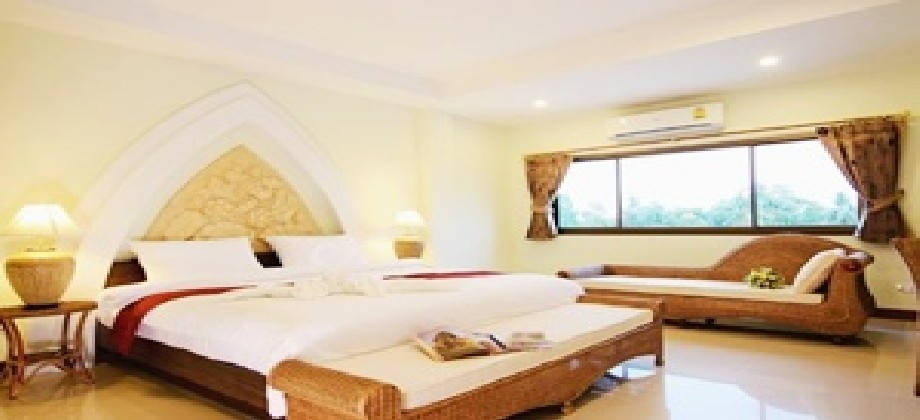 preiswertes Luxus Hotel in Nang Rong